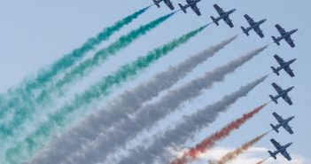 Il cielo si tinge del tricolore da 60 anni